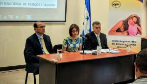 Comisionado José Lavaire, Presidenta CNBS Ethel Deras, Director de la DPUF, Ramón Martínez