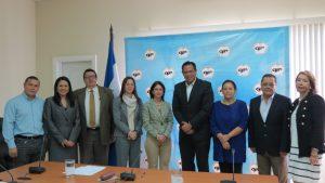Funcionarios de Fedecámara y la CNBS que asistieron a la firma del convenio